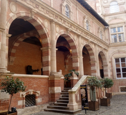 inside toulouse 1 059